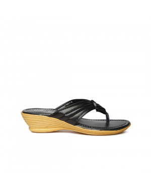 Paragon Black V-Strap Sandals For Women 7505